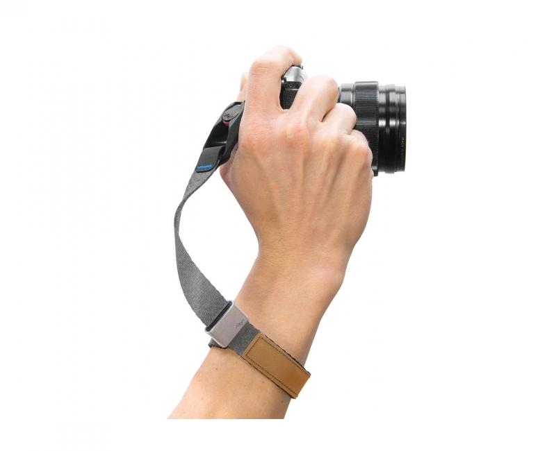 Dây máy ảnh đeo cổ tay Peak Design Cuff Wrist Strap, Màu xám 2