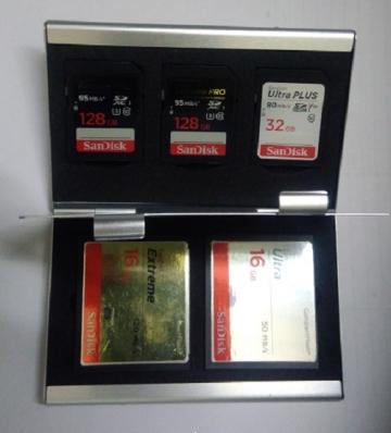 Hộp đựng thẻ nhớ KH-15 đựng  3SD, 2CF, 2 ngăn